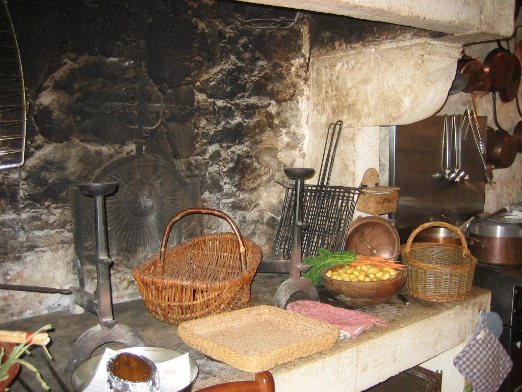 france kitchen 1